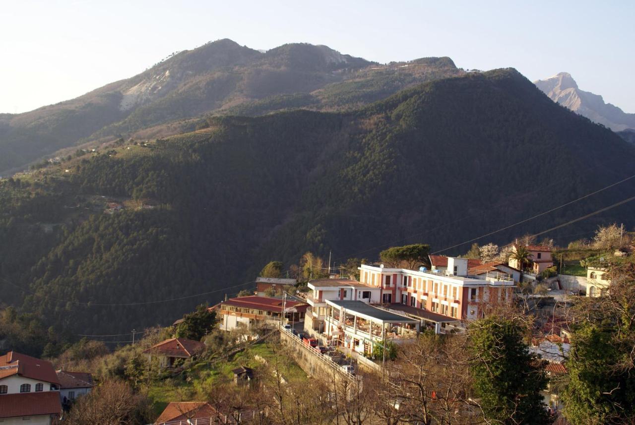 Hotels In Azzano Tuscany