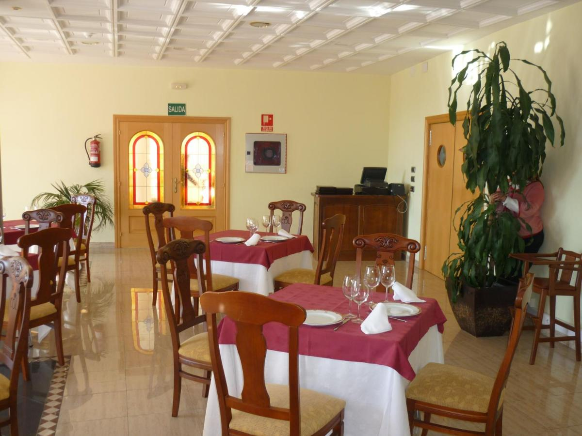 Hotels In Rabanera Del Pinar Castile And Leon