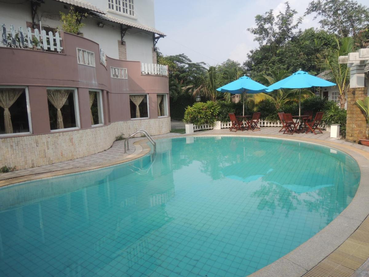 diamond hotel resort bien hoa vietnam booking com rh booking com