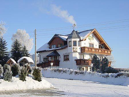 Hotel Alpenhof Markneukirchen Germany Booking Com