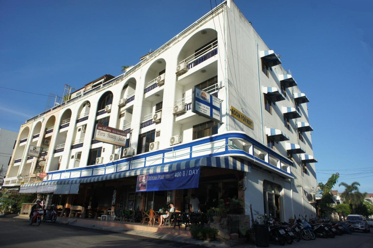 Hostels In Ban Rai Chon Buri Province