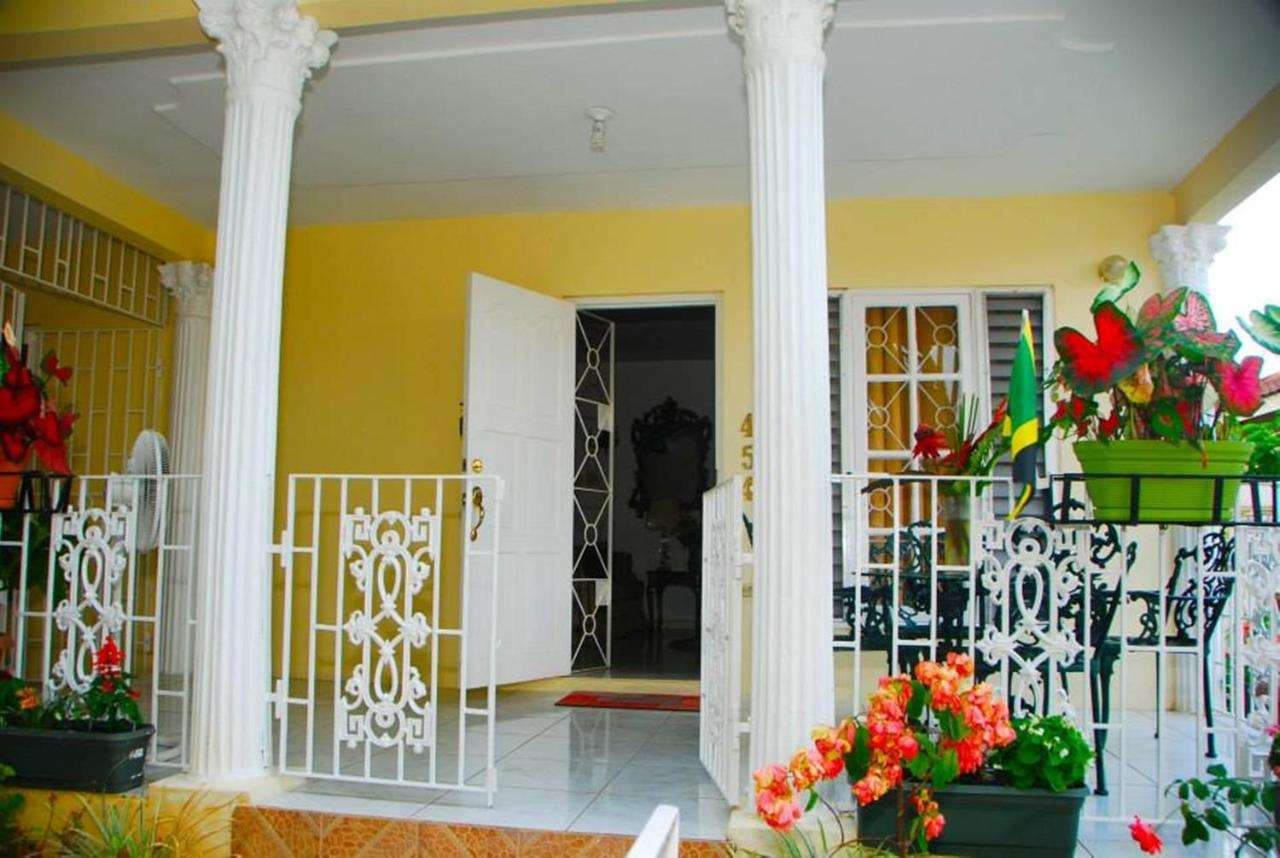 Bed And Breakfasts In Pennycooke Westmoreland