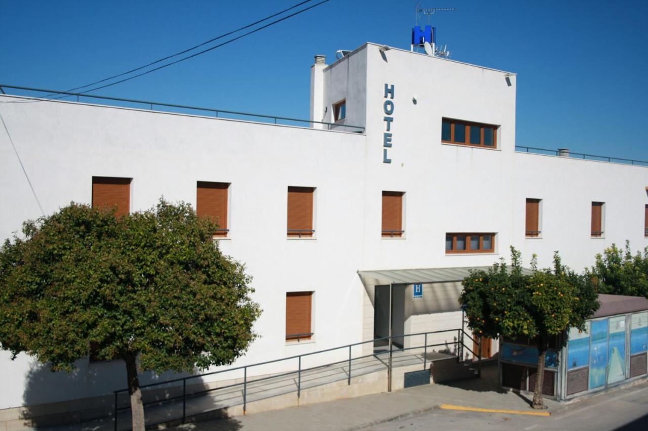 Hotels In Fuentes De Andalucía Andalucía