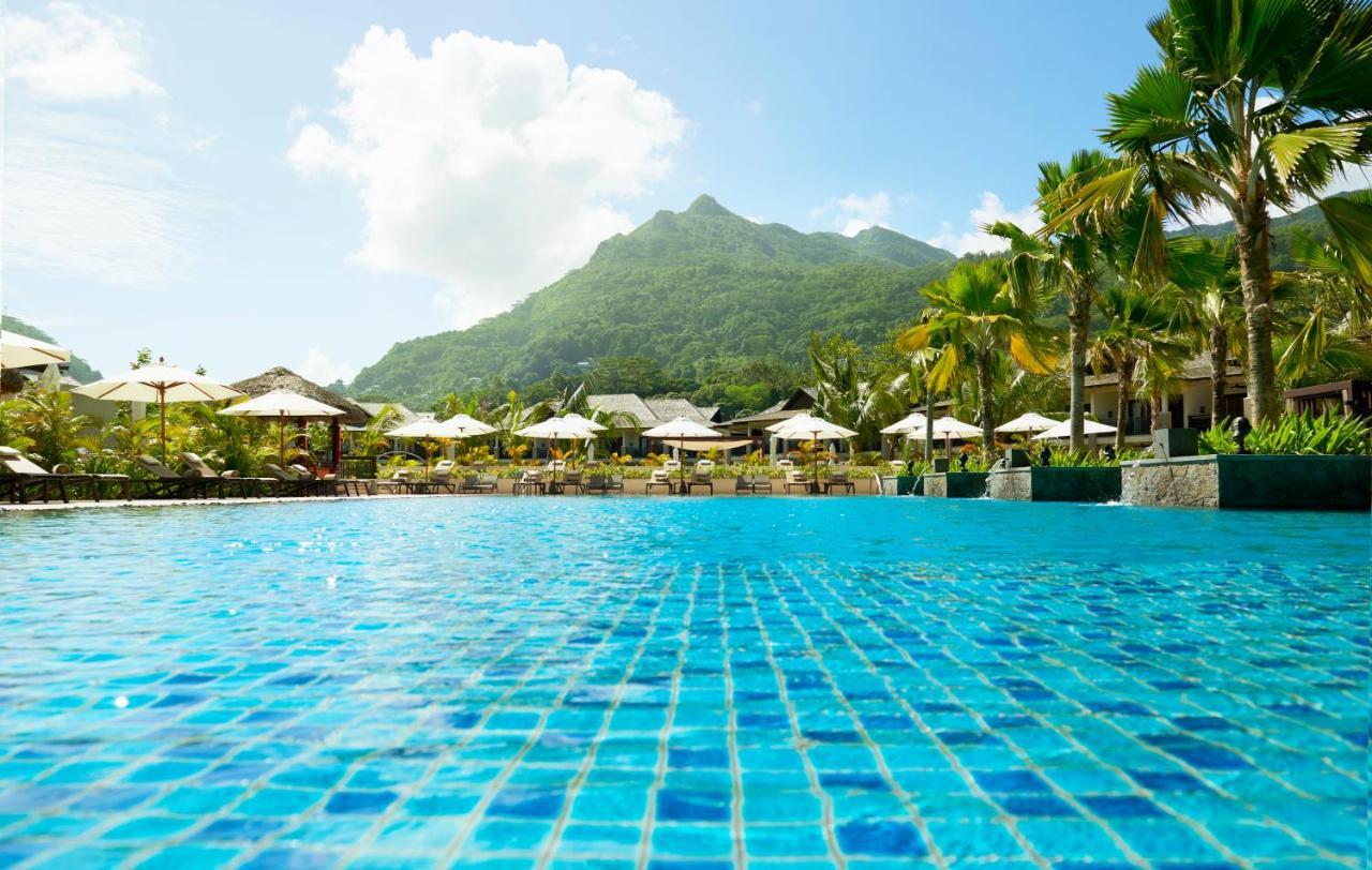 The H Resort Beau Vallon Beach - красивый плавательный бассейн