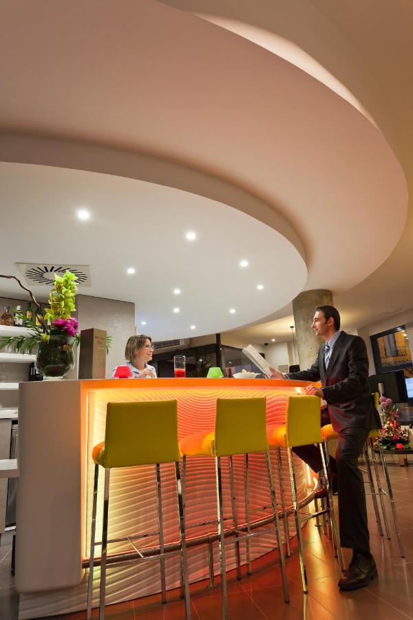 Salon Furniture Discreet Hotel Restaurant Bar Chair Chair Lift Chair Sofa Chair Home Fashion