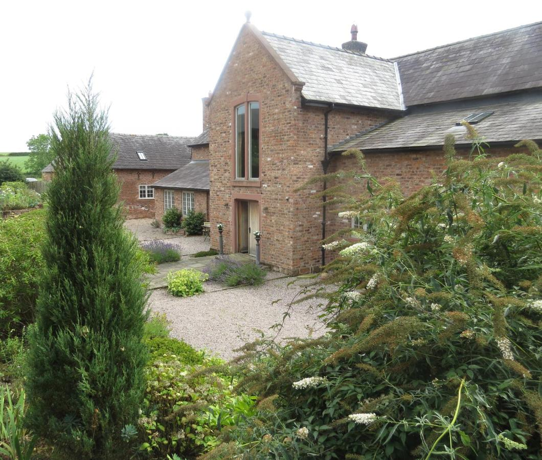 Bed And Breakfasts In Rowton Cheshire