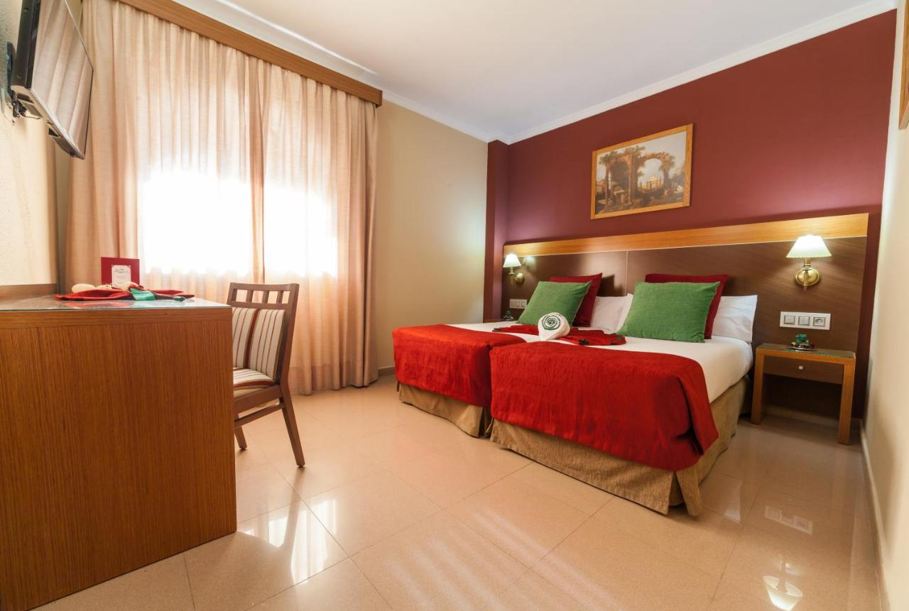 Hotels In Puntales Andalucía