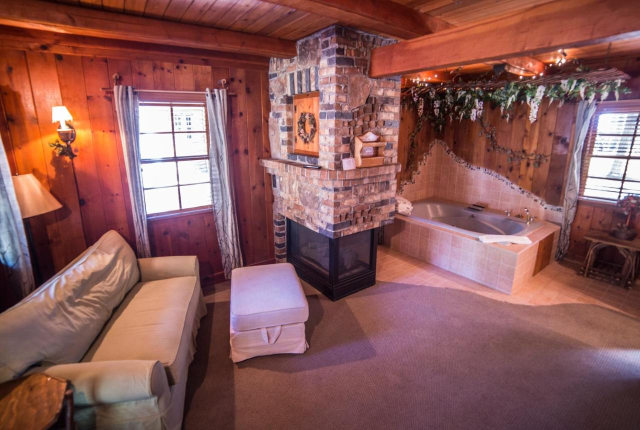 vacation tahoe rental cottages charming cottage hotel donner in property redawning truckee