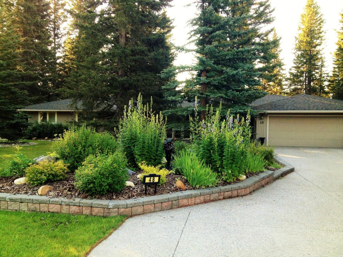 Bed And Breakfasts In Redwood Meadows Alberta
