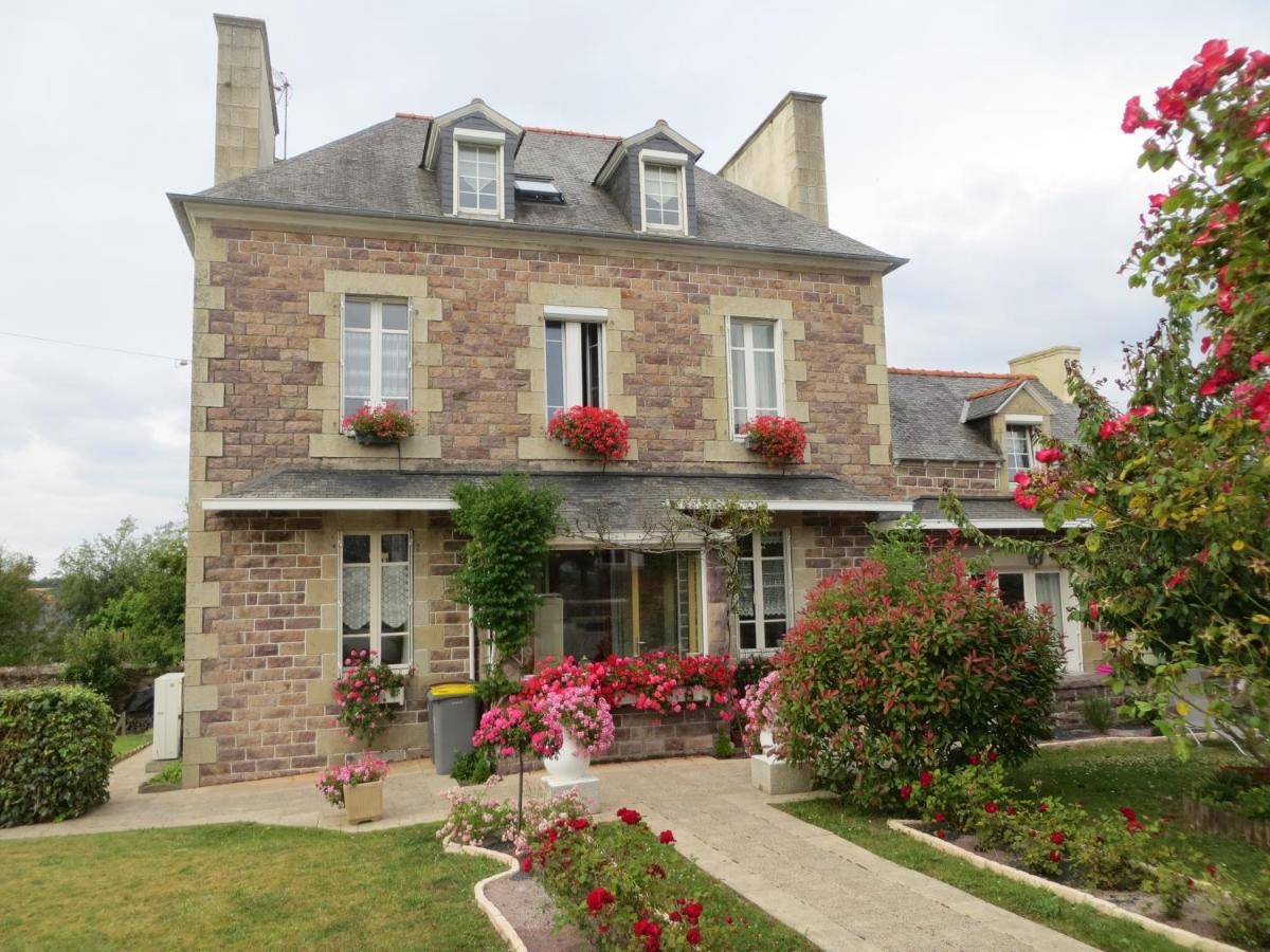 Guest Houses In Runan Brittany