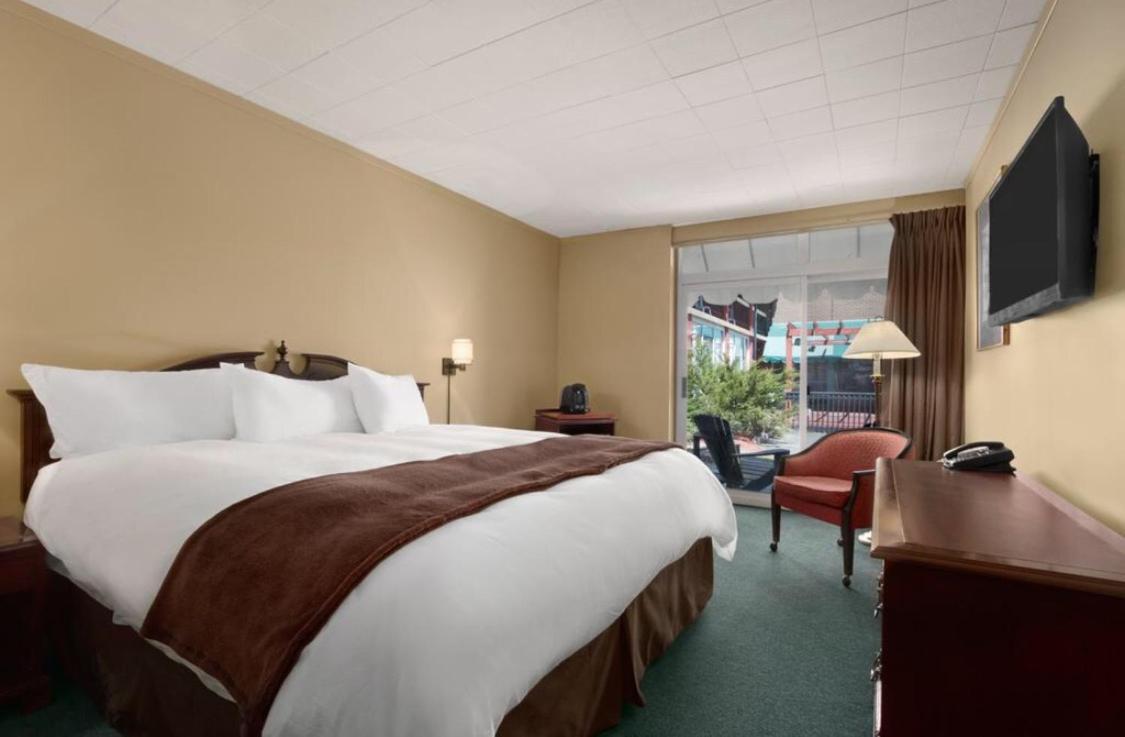 Hotels In Mcdougall Ontario
