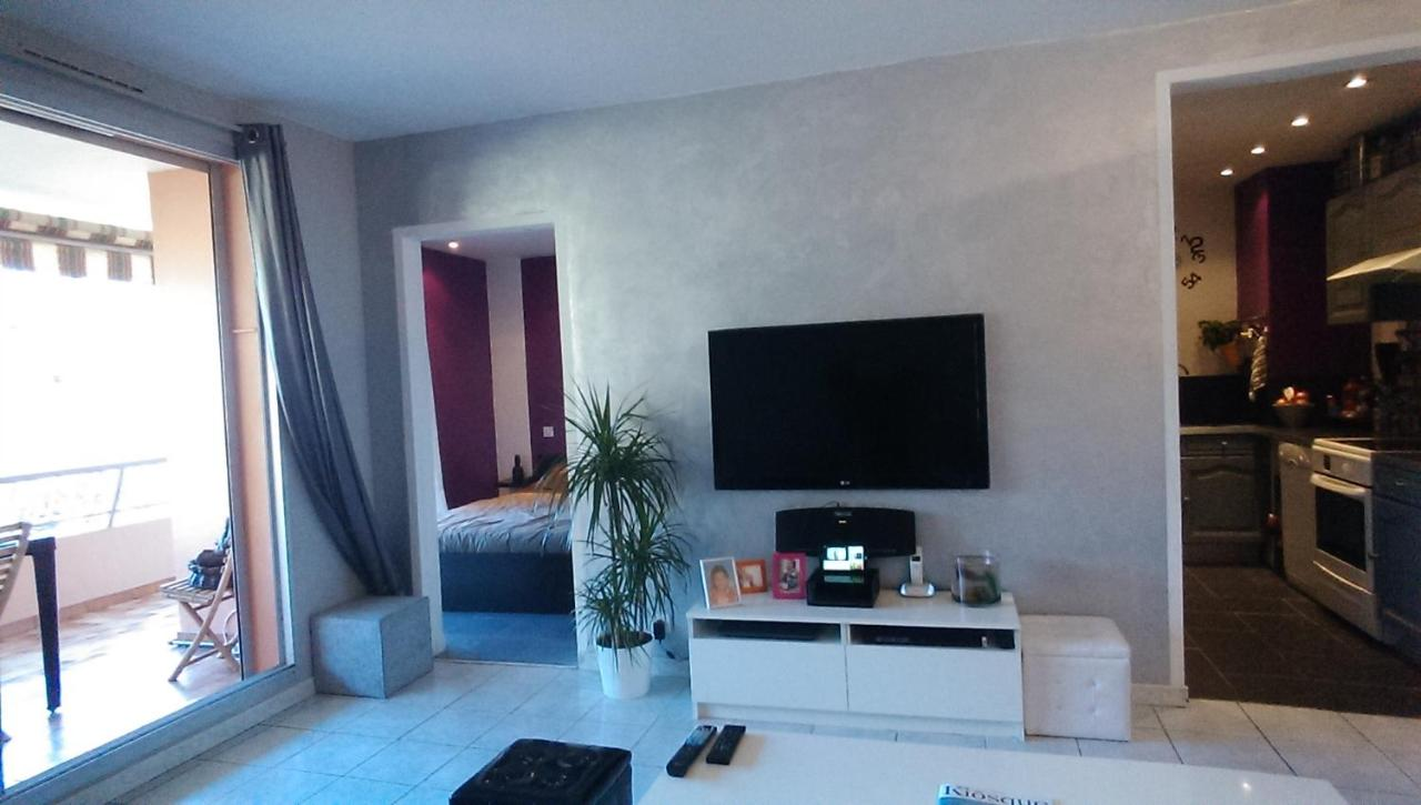 Apartment Aiguebelle, Grasse, France - Booking.com