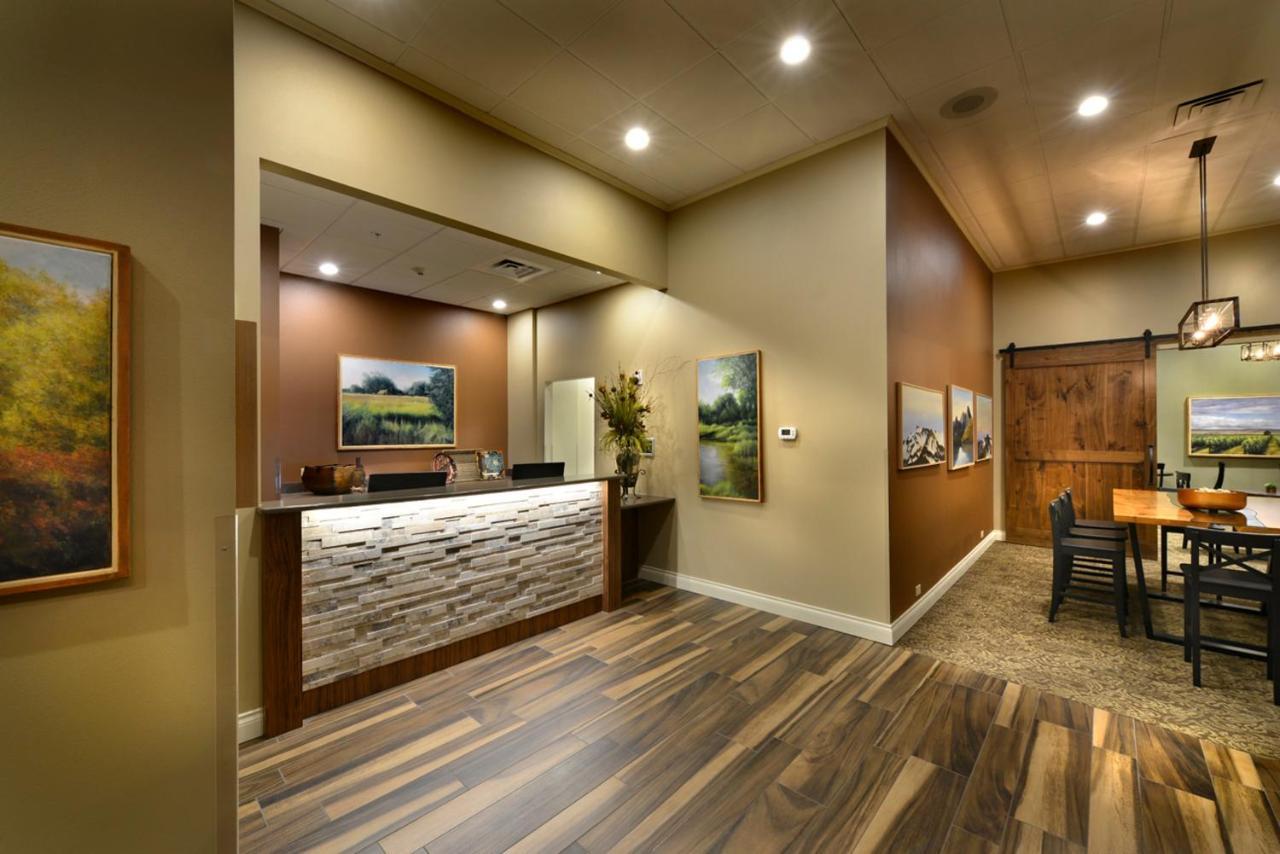 Hotel Maison, Yakima, WA - Booking.com