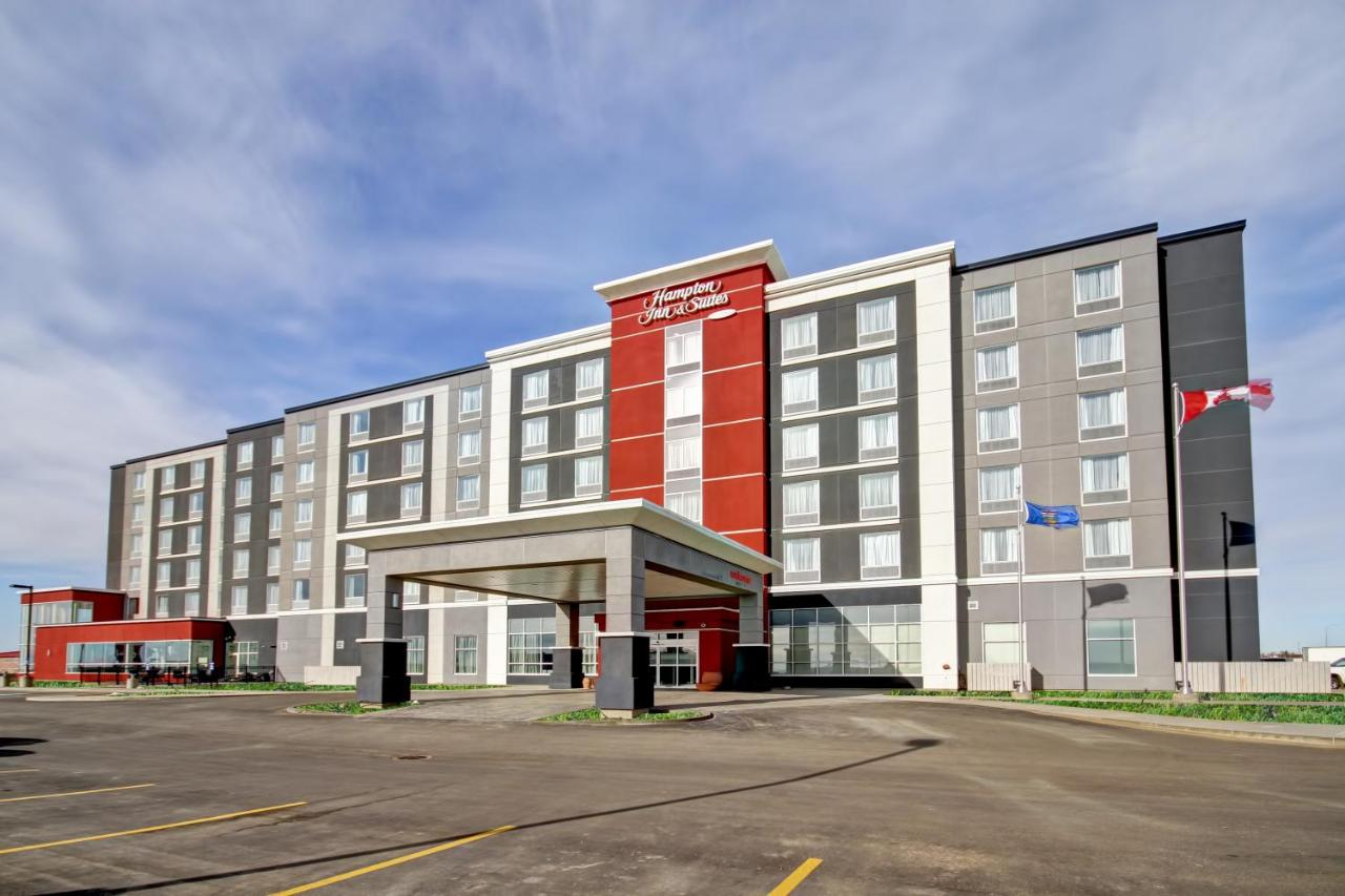 Hotels In Redcliff Alberta