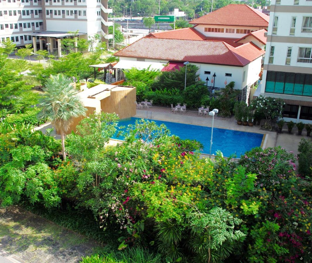 Hotels In Ban Hua Khao Sammuk Chon Buri Province