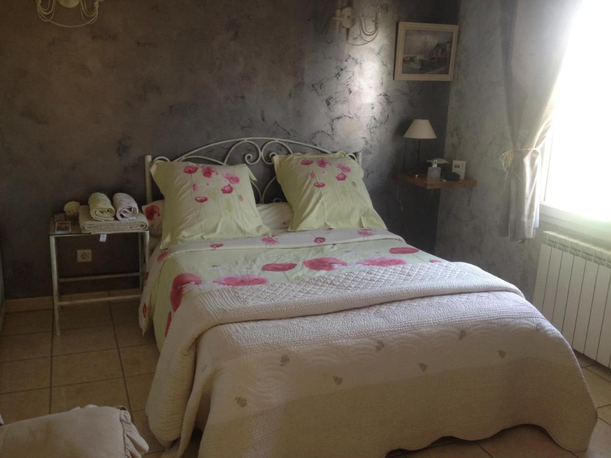 Bed And Breakfasts In Villeneuve-de-marc Rhône-alps