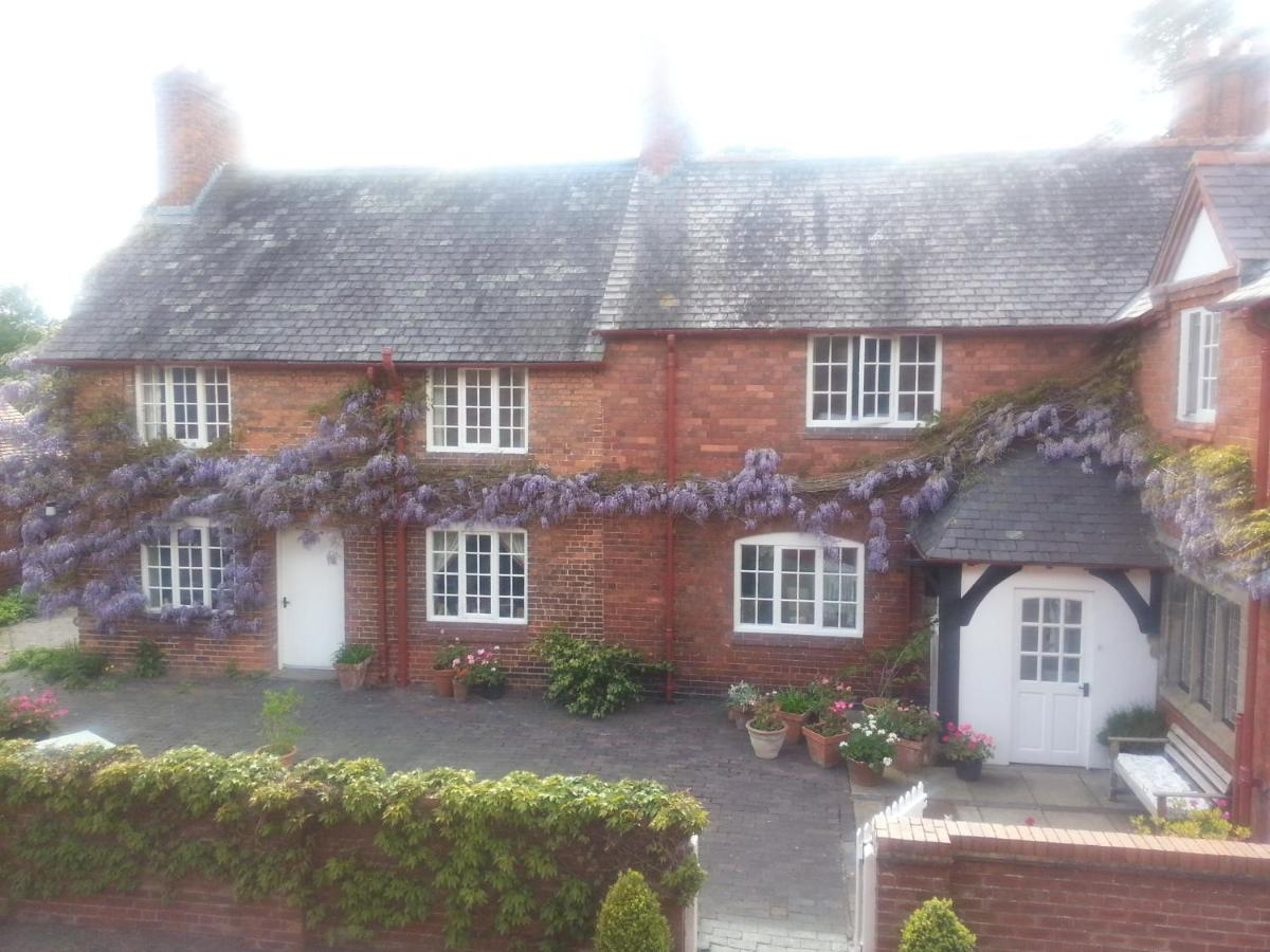 Bed And Breakfasts In Saighton Cheshire