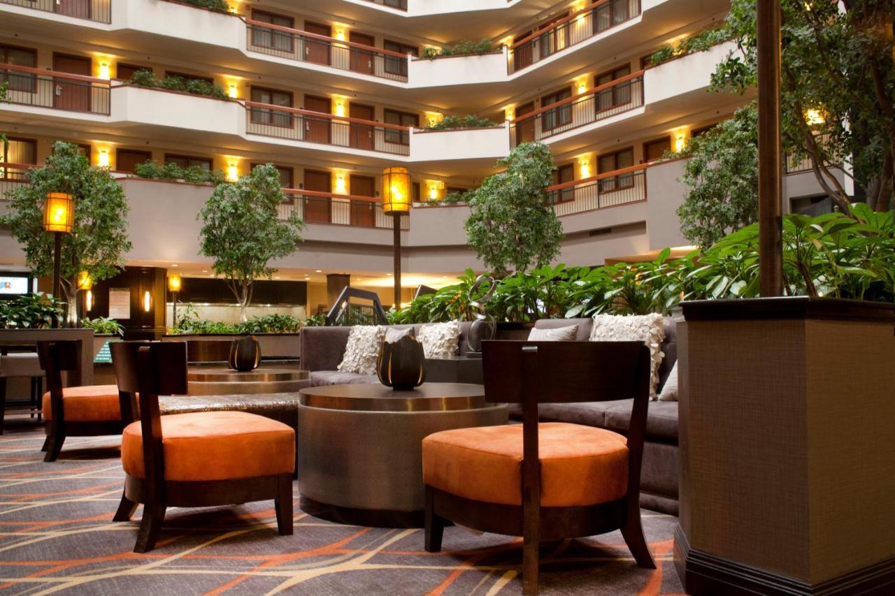 Hotel Embassy Austin Arboretum, TX - Booking.com