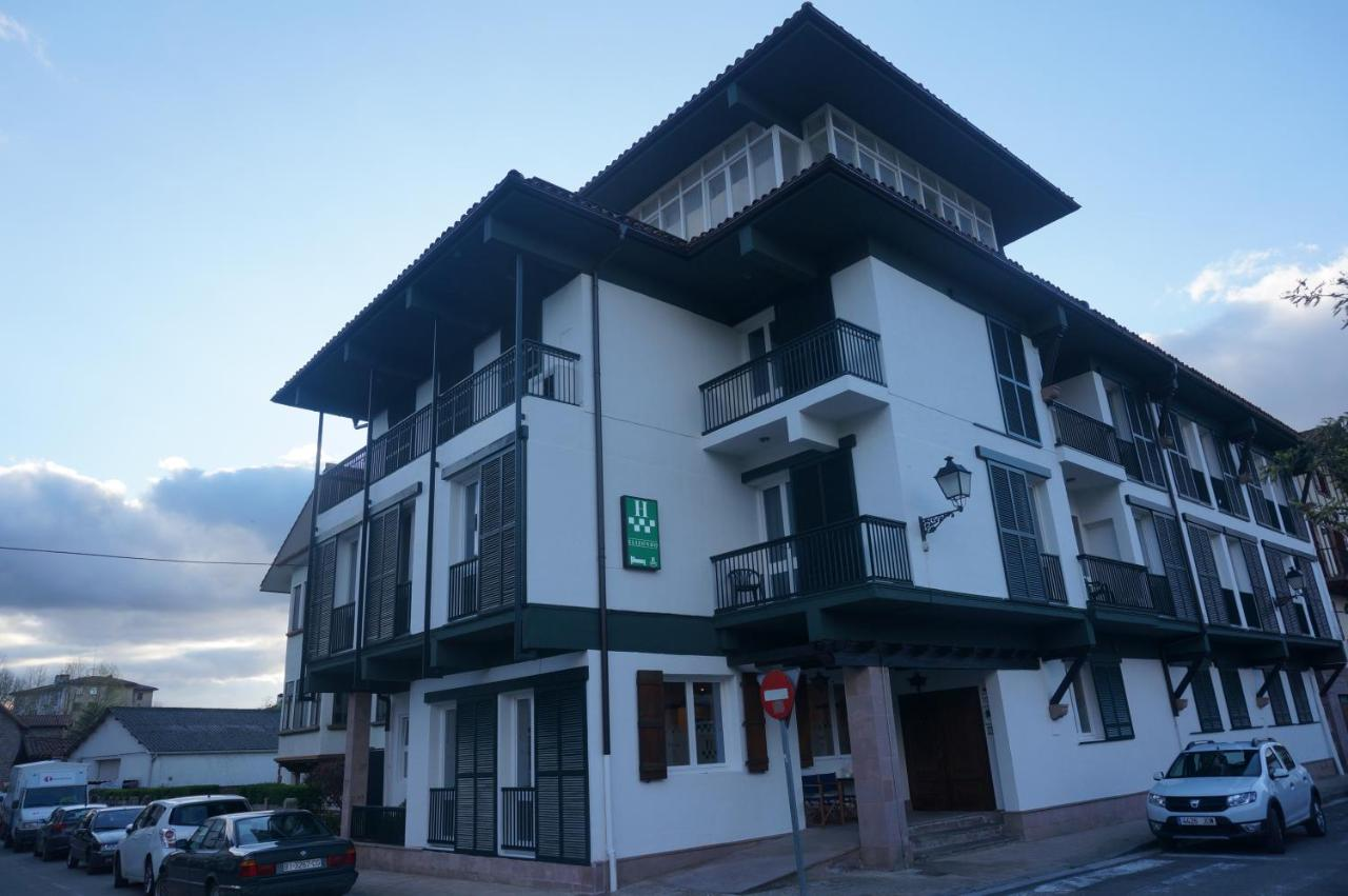 Hotels In Zozaia Navarre