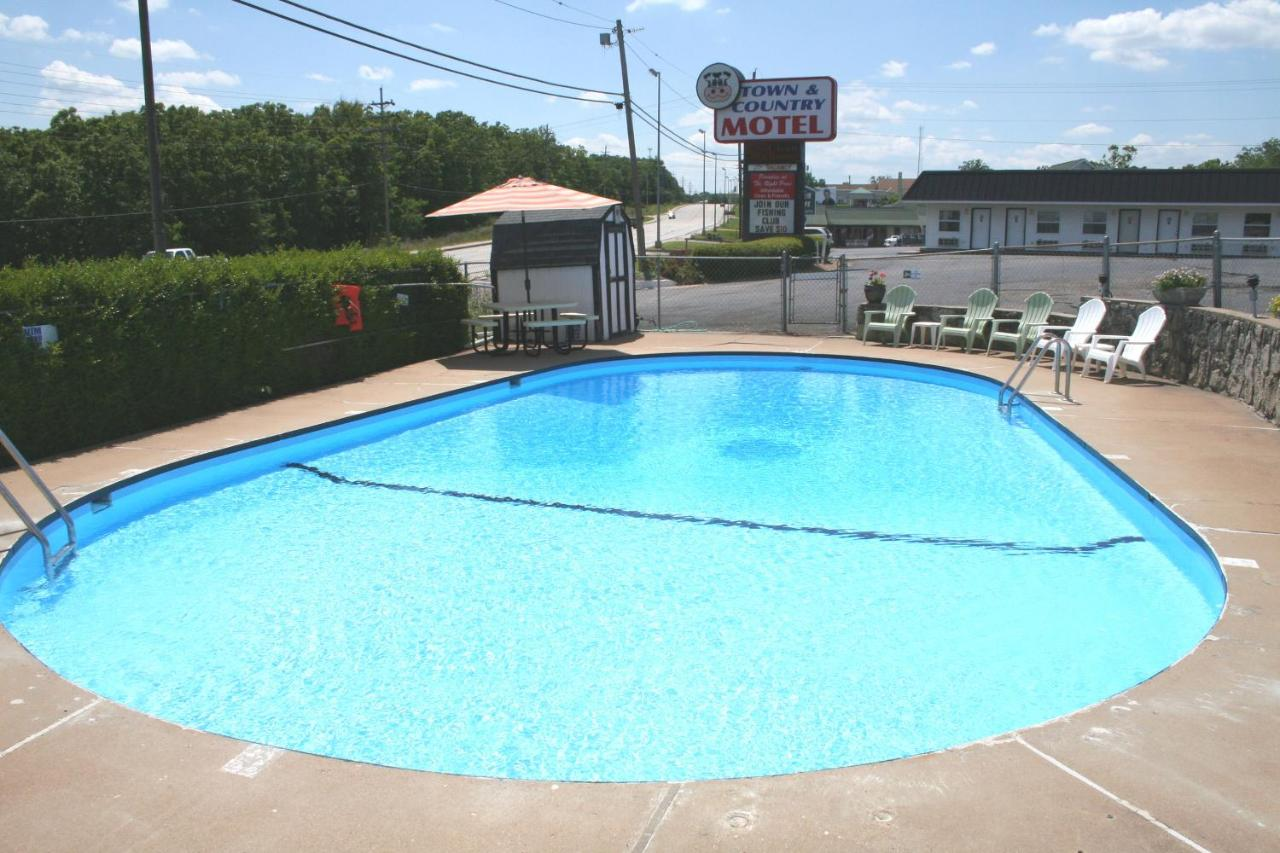 Town and Country Motel, Osage Beach, MO - Booking.com