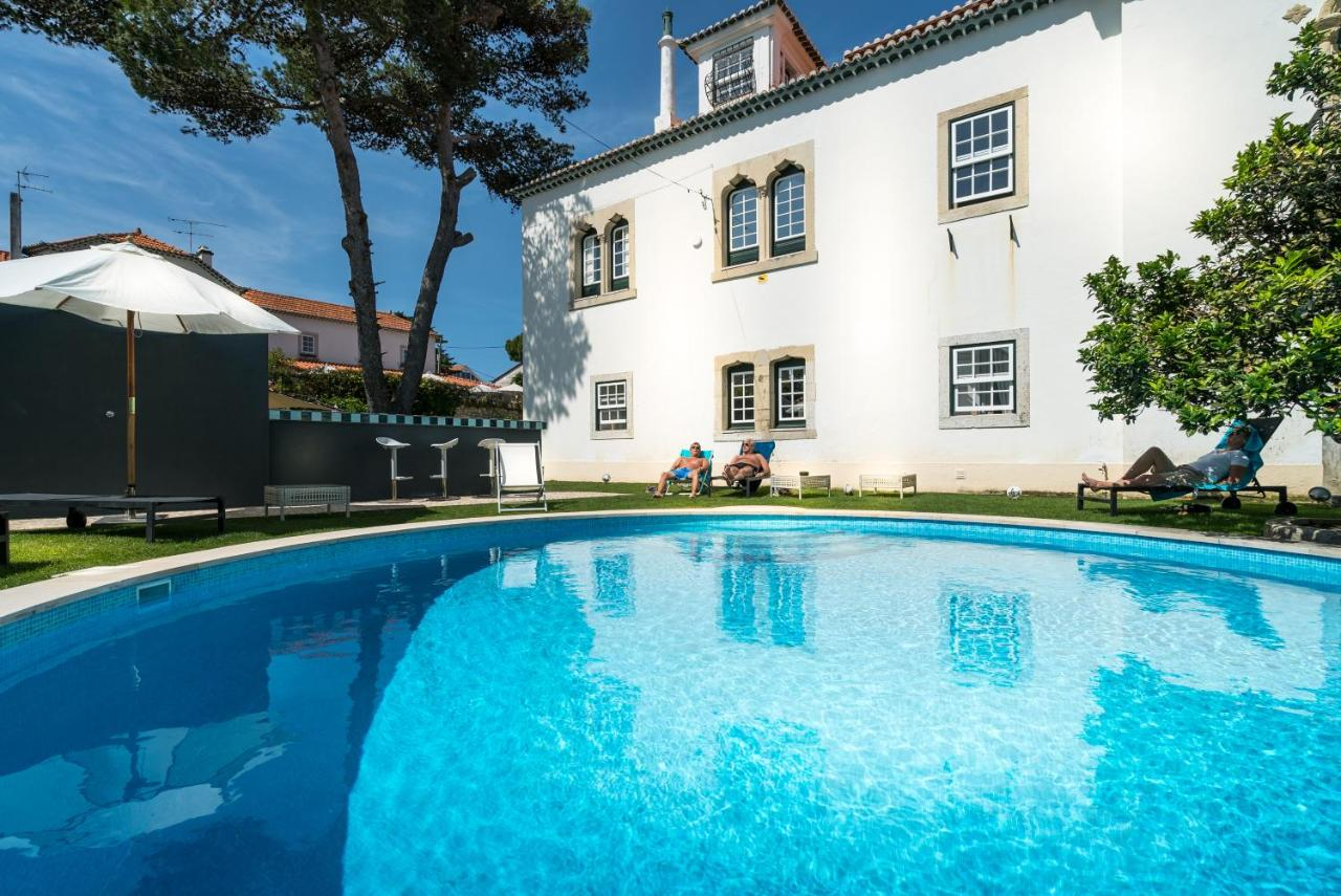 Kleurrijke Deense Villa : Villa vasco da gama portugal cascais booking