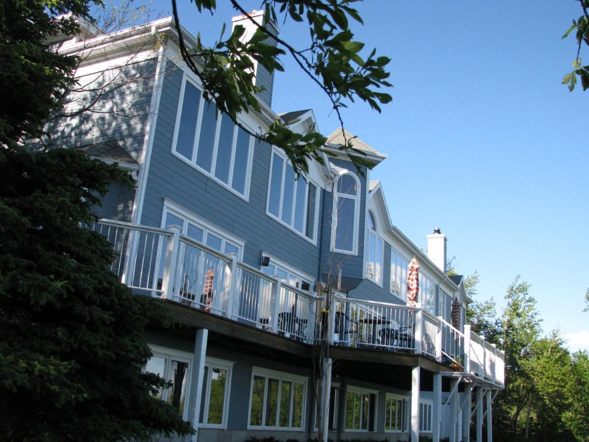 Hotels In Les ÉBoulements Quebec