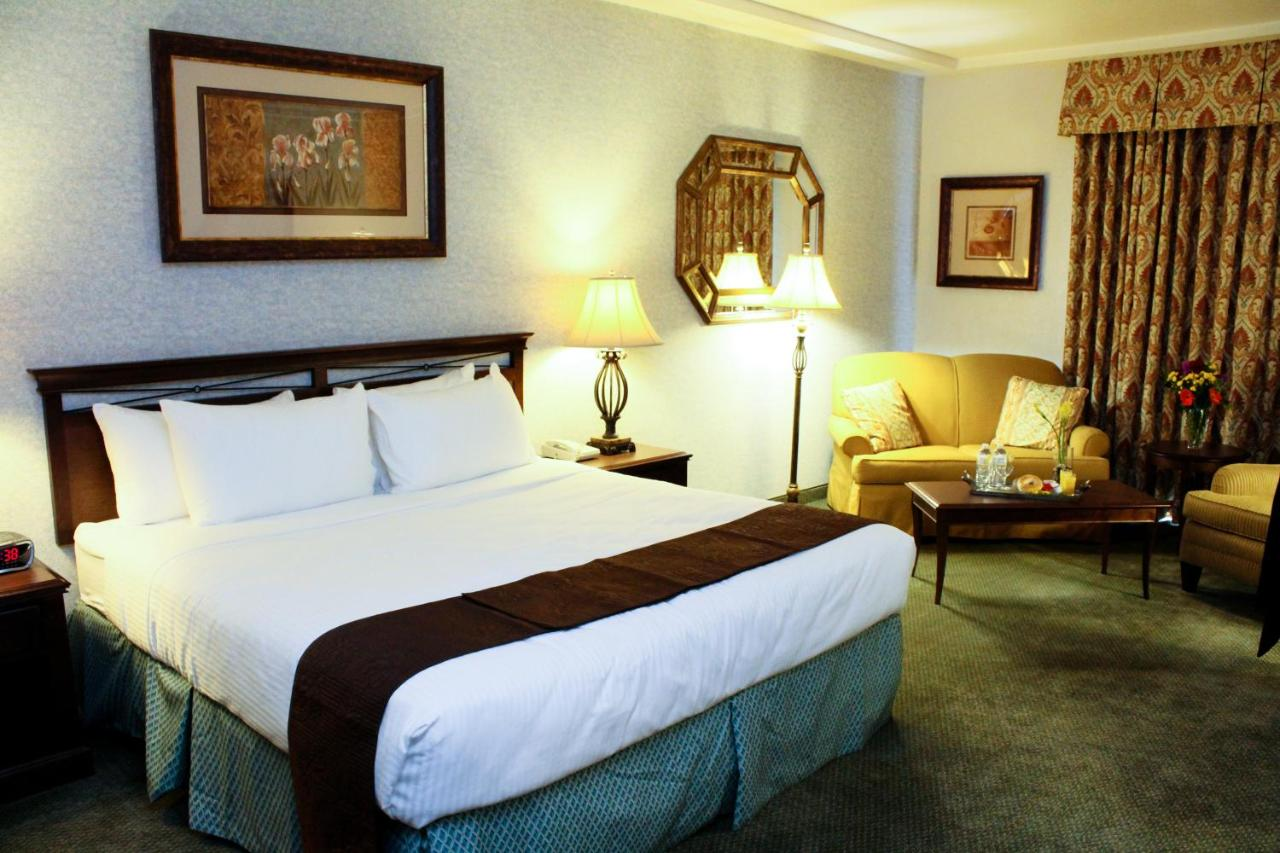 Hotels In Fresno California