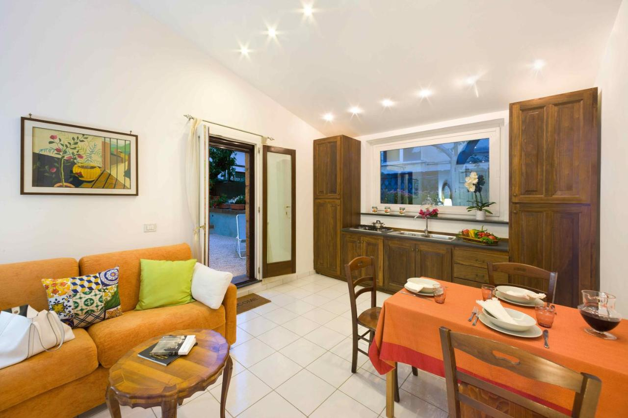 Apartment Maison Sersale, Sorrento, Italy - Booking.com