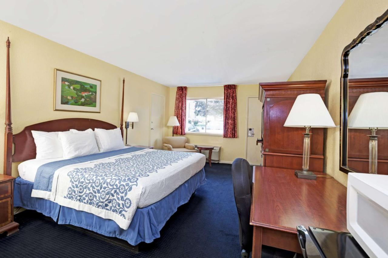 Hotels In Red Hill Village Virginia