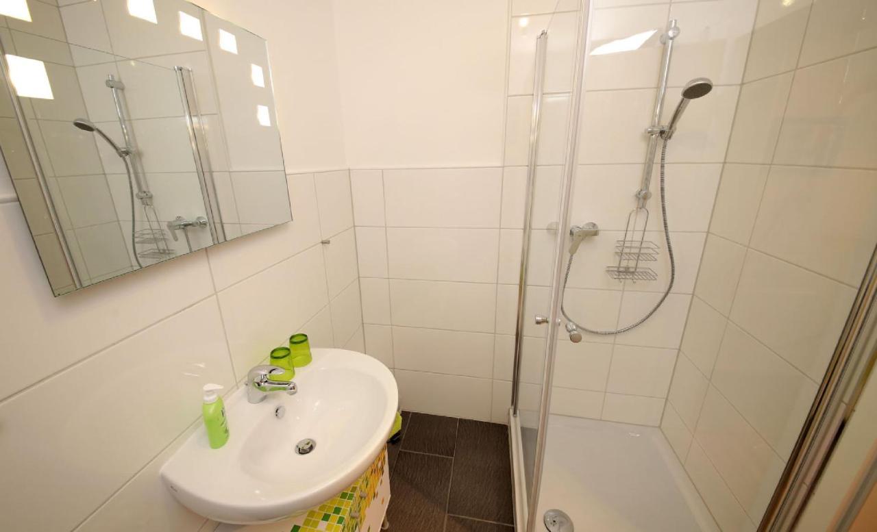 Pin By Hessen On Vannid Bathtub Modern Bathroom