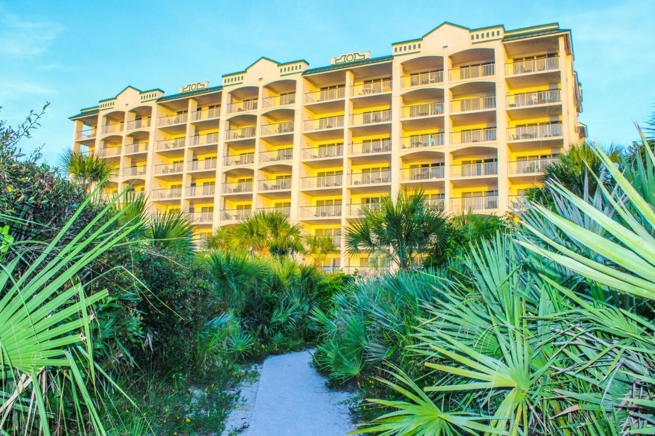 The Resort on Cocoa Beach, FL - Booking.com
