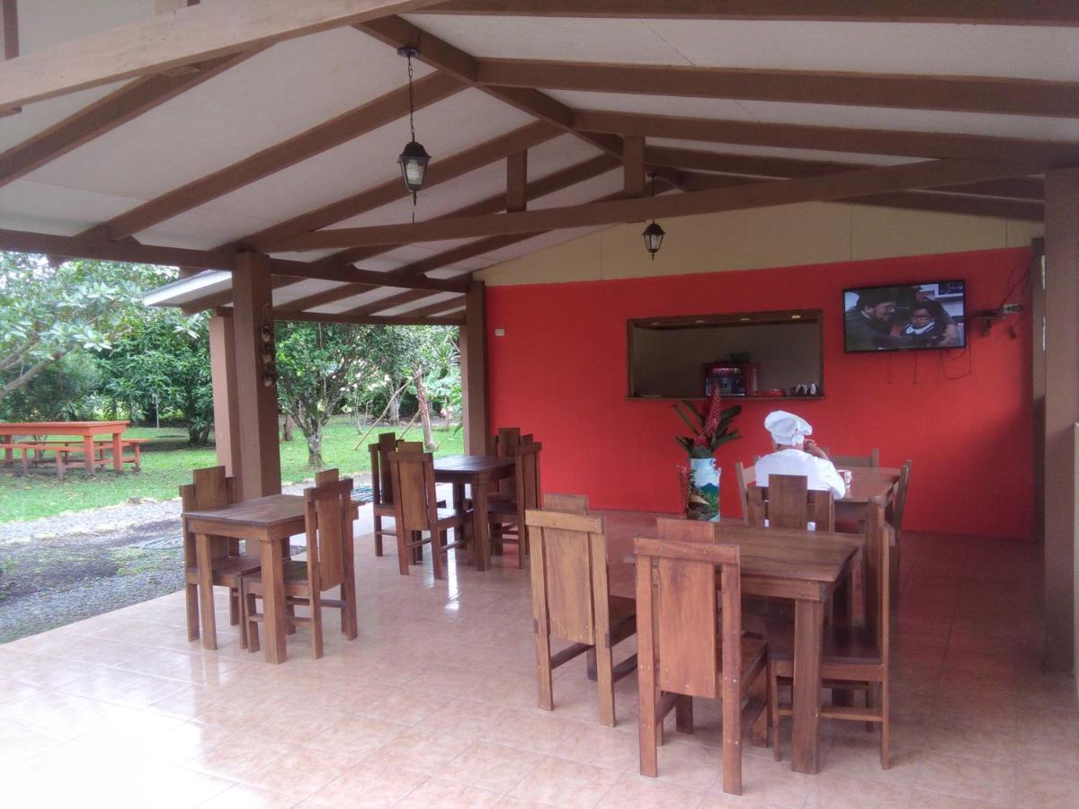 Comedor Paraíso Camping Lodge