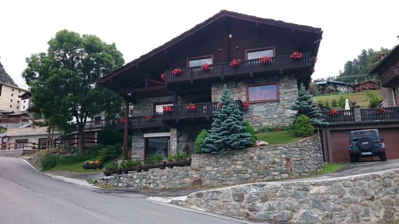 Guest Houses In Antey-saint-andré Valle D