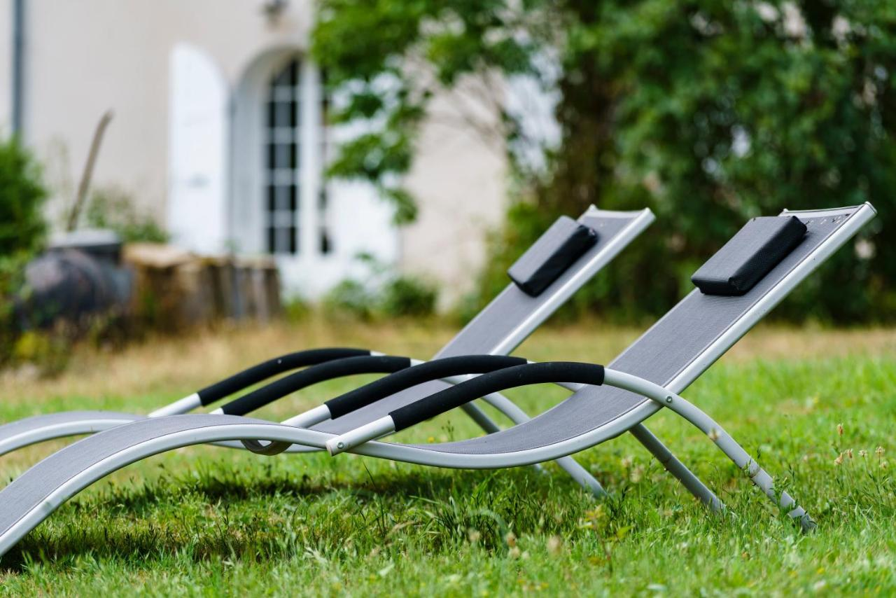 Bed and Breakfast La Pee Bourgogne, Poil, France - Booking.com Ze Chaise Lounge Chair Html on