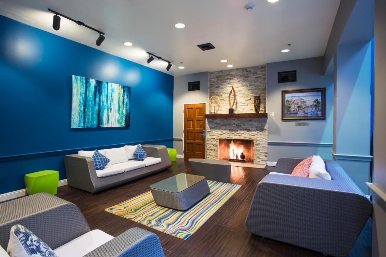 Hostels In Brentwood California
