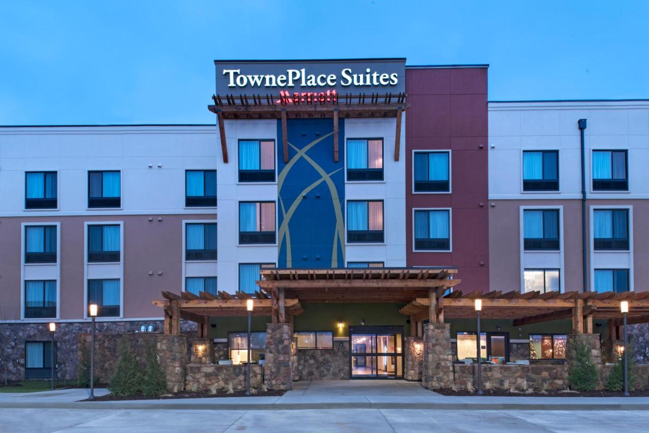 Hotels In Adel Iowa