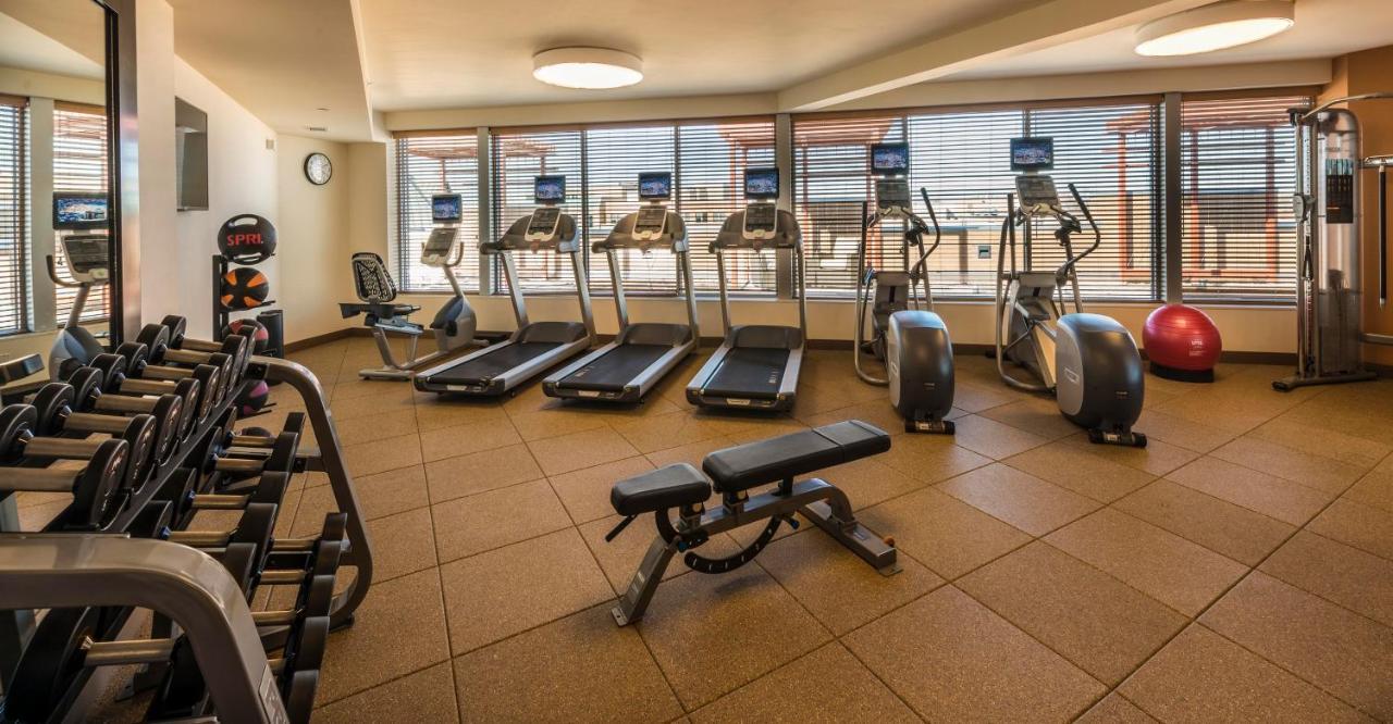 Hilton Garden Inn Alexandria, VA - Booking.com