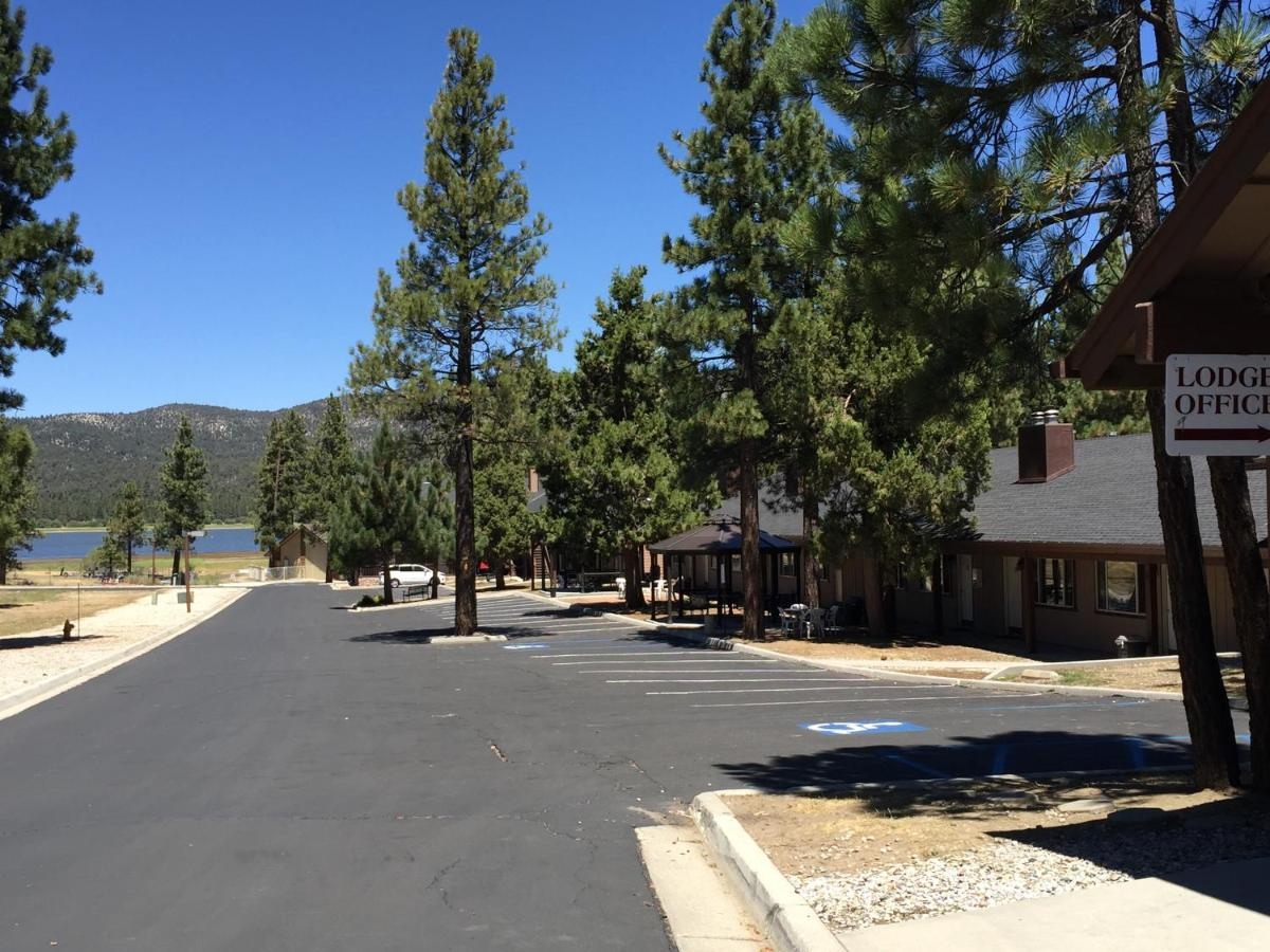 Hotels In Woodlands California