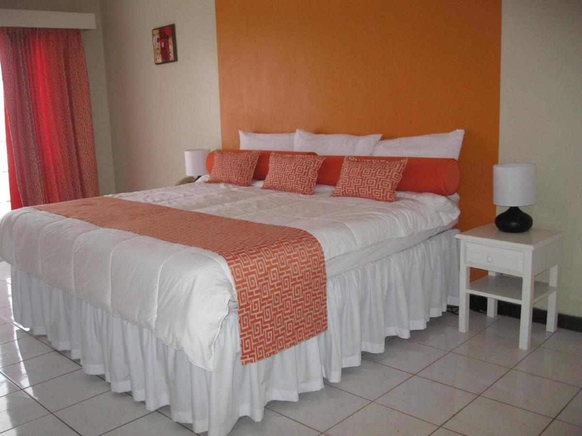 Hotels In Mount Zion Saint James