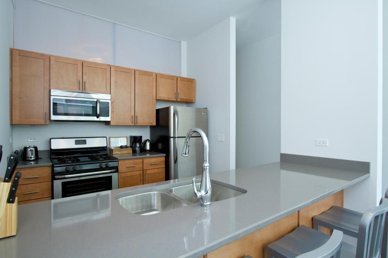 Apartment Two-Bedroom on W Fullerton Avenue Apt 204, Chicago, IL ...