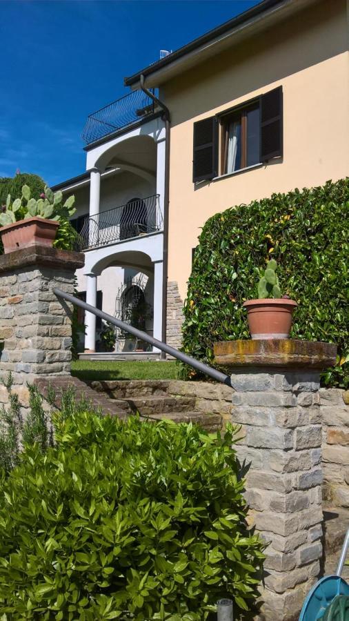 Guest Houses In Aie Piedmont