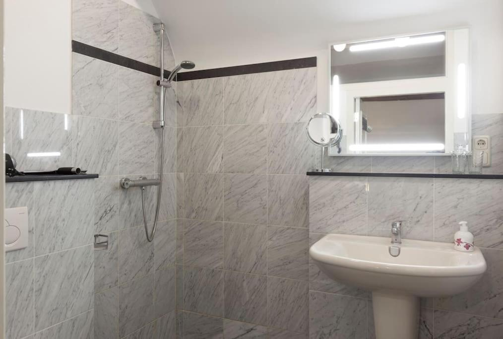 Apartment Nicolaye Suite 57, Vaals, Netherlands - Booking.com