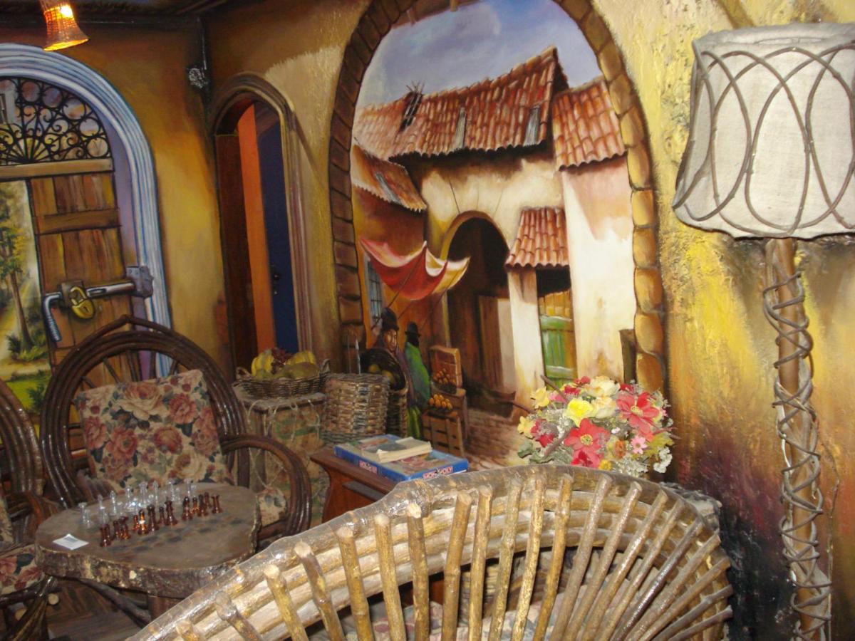Hostels In Mojón De Lima