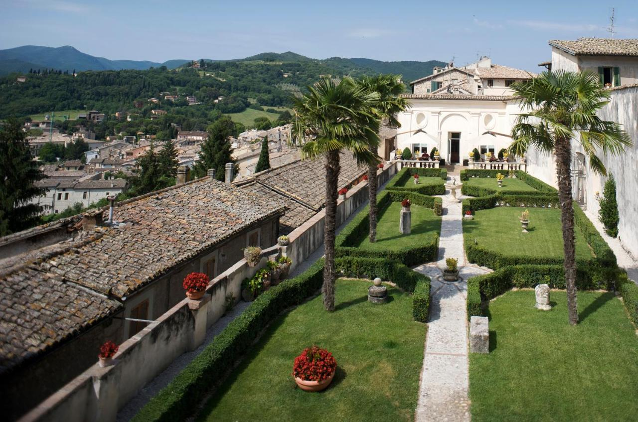 Hotels In Acquaiura Umbria