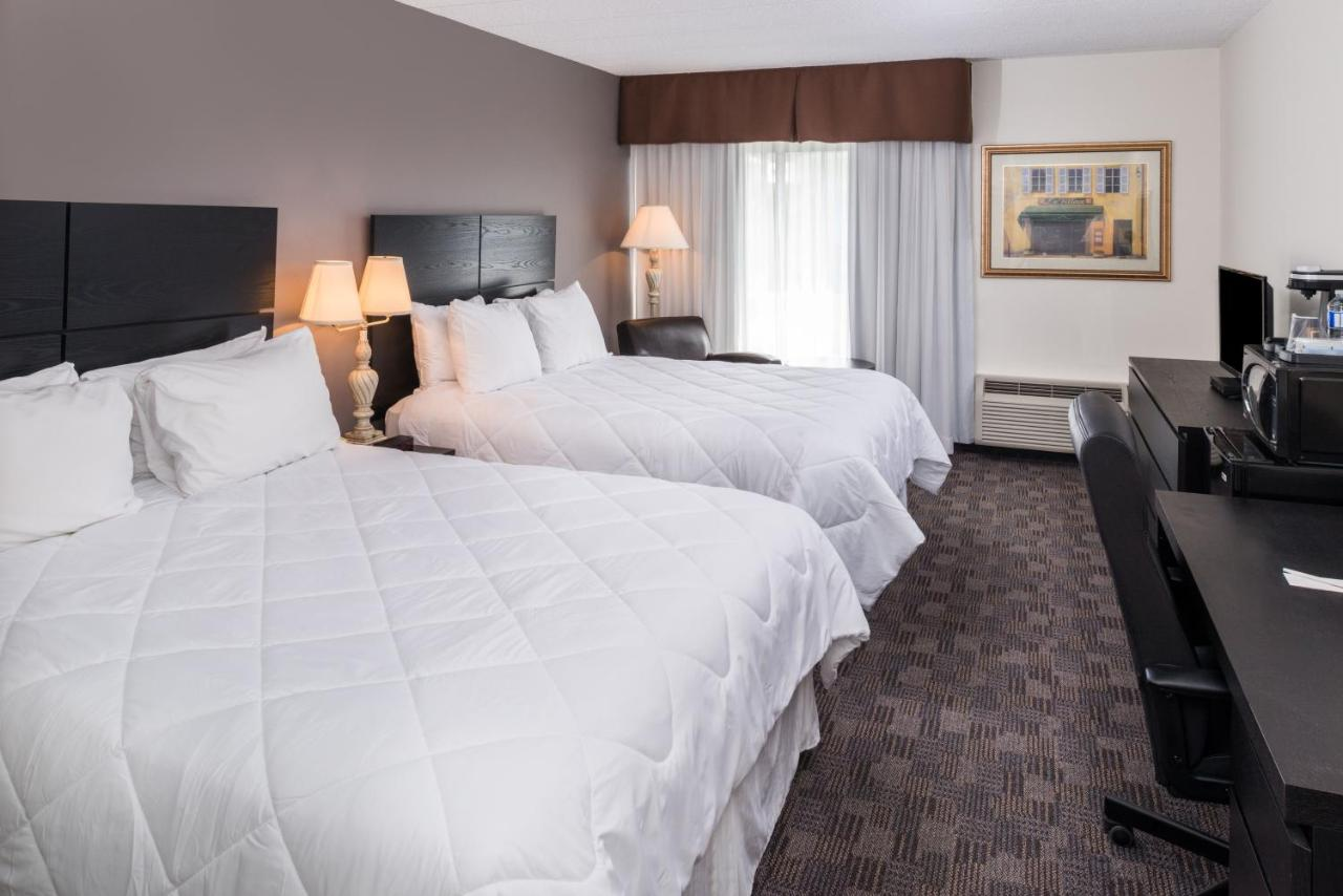Hotels In Coniston Ontario
