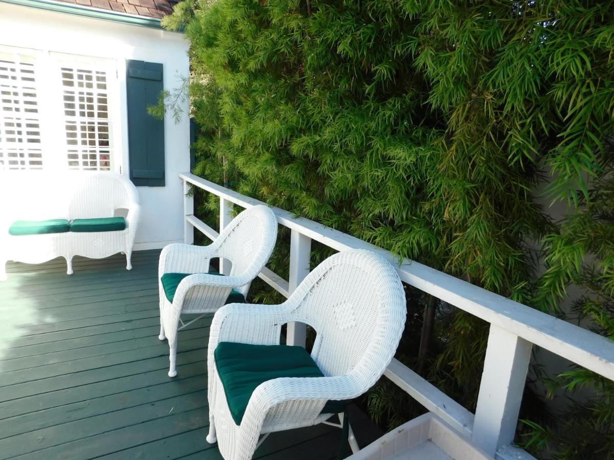 lincoln green inn carmel ca booking com