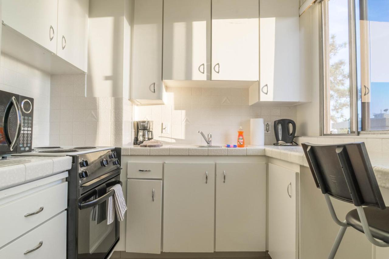 Barrington Apartment C537, Los Angeles, CA - Booking.com