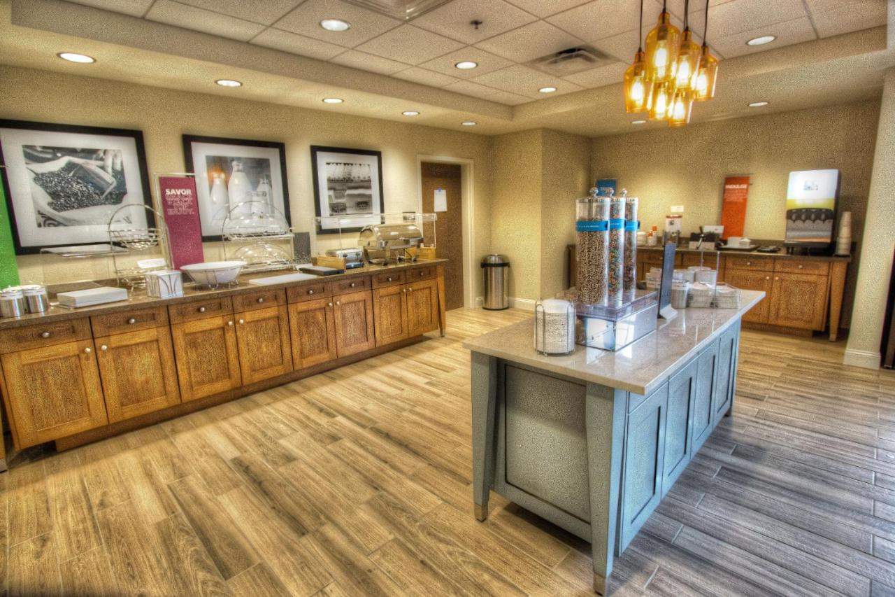 Hampton Inn & Suites Braselton, GA - Booking.com