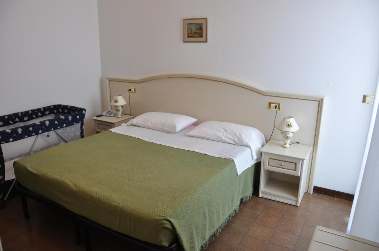 Hotel Caraibi Hotel Caraibi Grottammare Italy Bookingcom