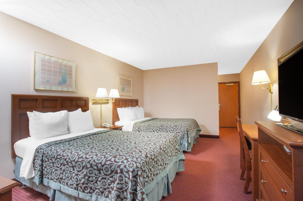 Hotels In Greenfield Park New York State